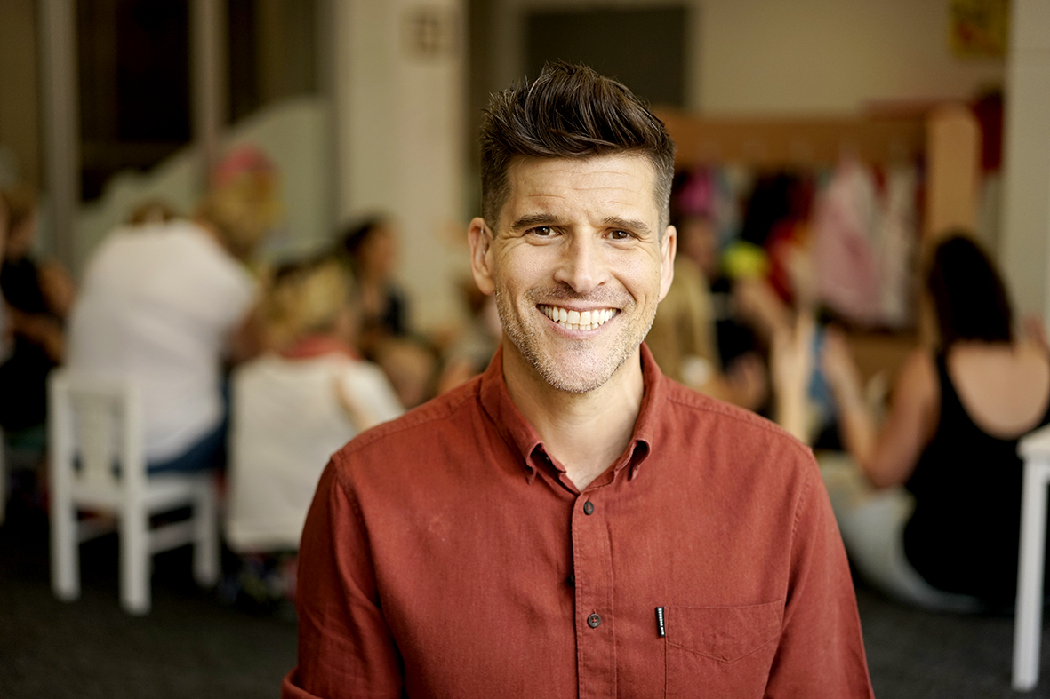 Osher Günsberg signs on as Ambassador for The Shepherd Centre